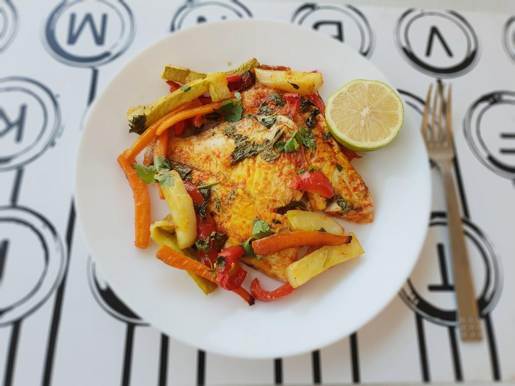 דג עם ירקות בתנור