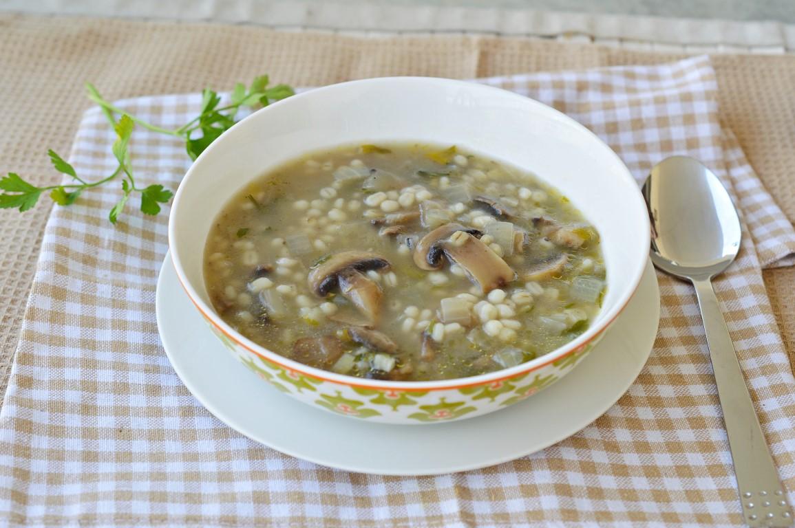 מתכון מרק פטריות וגריסים