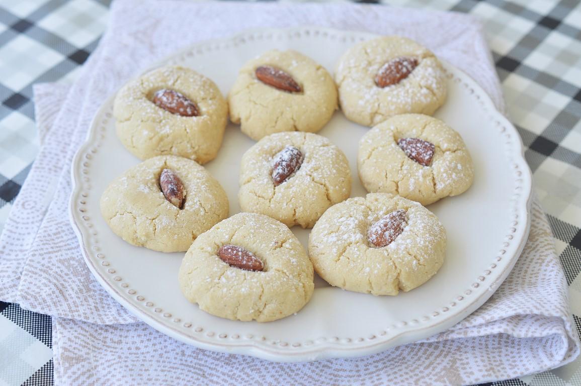 עוגיות טחינה נימוחות וממכרות