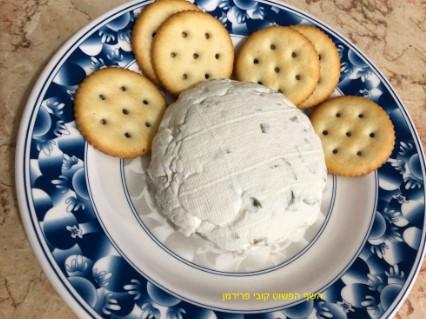 גבינת ריקוטה משקדים