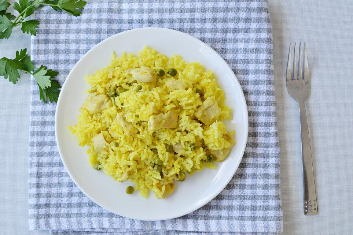 תבשיל אורז, עוף ואפונה