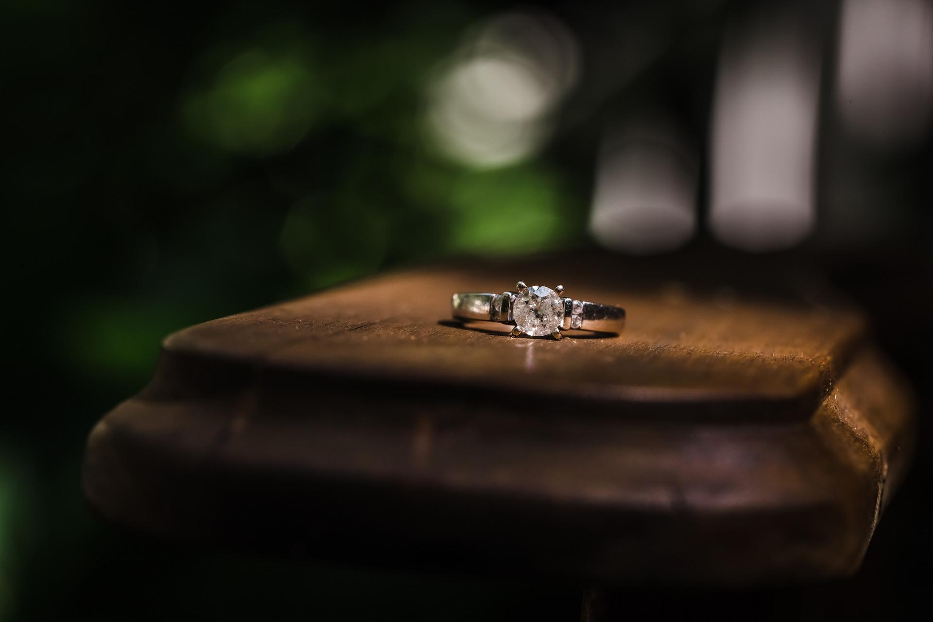 עיצובים שונים לטבעות אירוסין