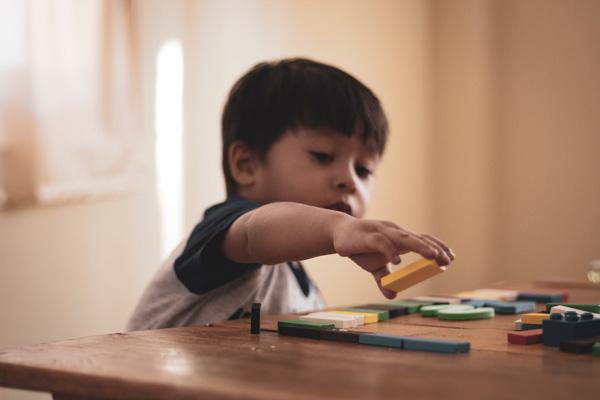 מה היתרונות של צעצועי עץ
